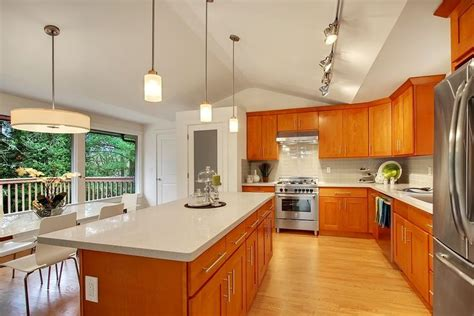 pius  affordable   cabinets  quality honey oak cabinets offer remodelers  warm