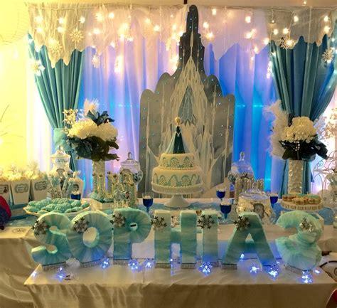 disney frozen table centerpiece 25 best frozen party decoration images on pinterest