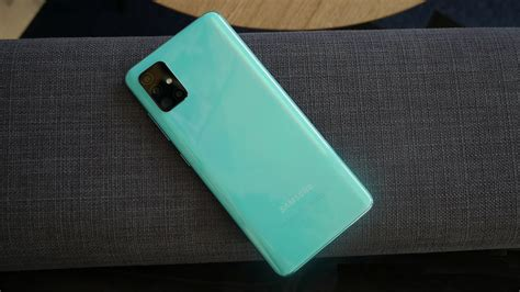 It runs on android 10 on the top of one ui 2.0 ui. Samsung Galaxy A51 получил One UI 3.0 с Android 11