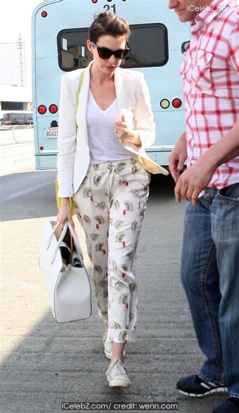 Anne Hathaway at Los Angeles International Airport (LAX ...