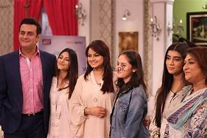 Javeria Abbasi with her daughter in Good Morning Pakistan (5)