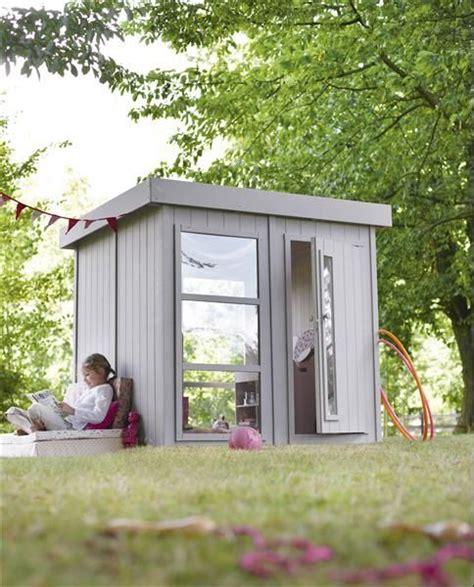 cabanes en bois leroy merlin maisonnette en bois l 233 andre soulet disponible chez leroy merlin loisirs et jeux de plein