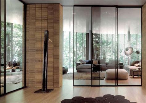 cloison coulissante en verre ou bois pour la maison moderne