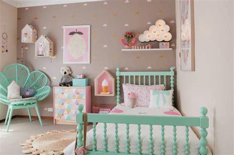 chambre bebe pastel stunning chambre bebe couleur pastel photos lalawgroup