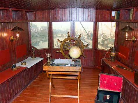 chambre des m騁iers amiens jules verne in the somme his house in amiens and le crotoy