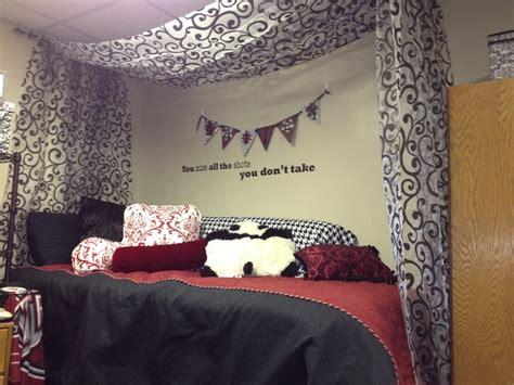 Curtain  Bed     Sheer Material  Hung