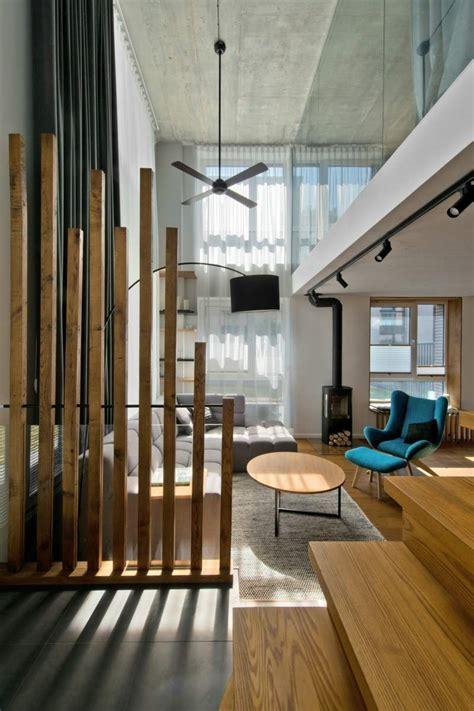 flur le mobilier scandinave en gris blanc et bois d 39 un loft nordique
