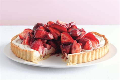 strawberry mascarpone tart with port glaze recipe epicurious
