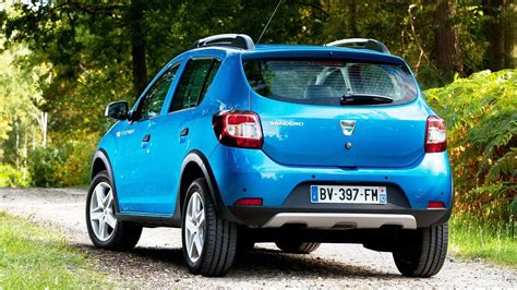 dacia stepway 2018 2018 dacia sandero stepway review saves your money but not on the sprint new suv price