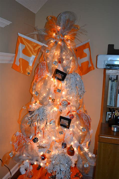 tn vol tree   office christmas   house