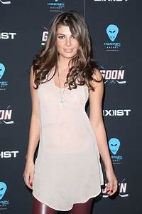 Angela Martini at Goon Premiere in New York - HawtCelebs ...