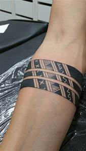 Armband Tattoo Bedeutung : 81 best arm band tattoo images on pinterest tattoo ideas arm band tattoo and awesome tattoos ~ Frokenaadalensverden.com Haus und Dekorationen