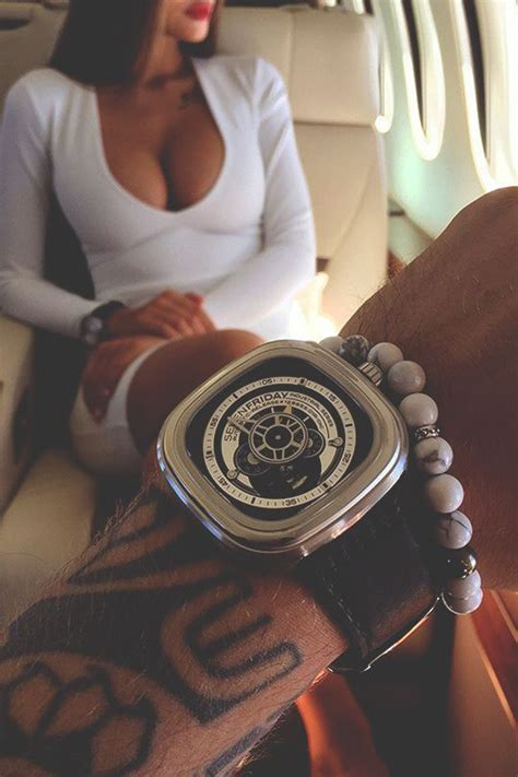 modernambition business essentials instagram ux