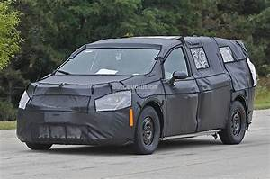 Town Country : 2017 chrysler town country spied up close and personal autoevolution ~ Frokenaadalensverden.com Haus und Dekorationen