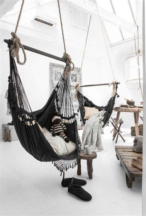 hamac siege suspendu hamac d 39 intérieur noir 12 idées de déco pour la maison