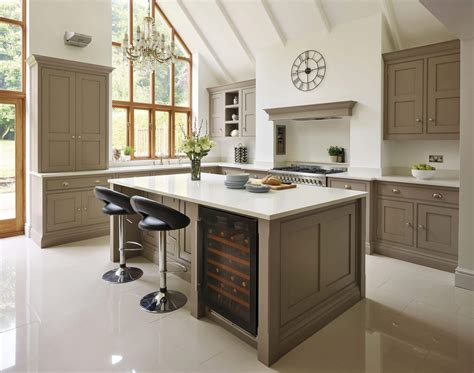 shaker style kitchen cabinets classic shaker kitchen tom howley 8503