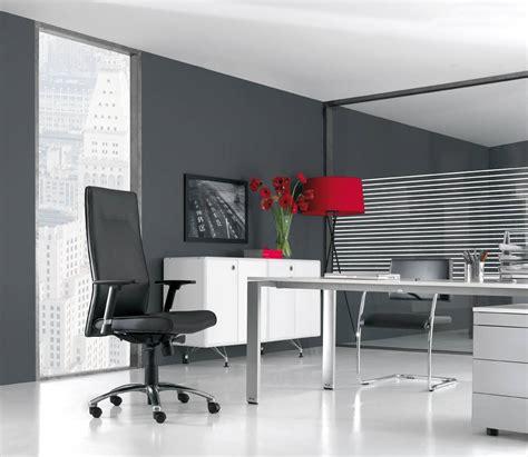 mobilier de bureau bordeaux fauteuils en cuir et sièges assortis mobilier de bureau