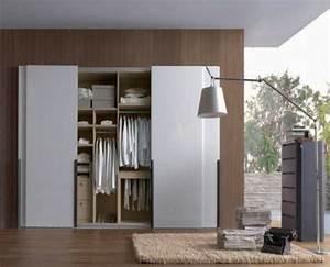 Günstige Kleiderschränke Mit Schiebetüren : ein moderner kleiderschrank in ihrem schlafzimmer 15 tolle ideen ~ Bigdaddyawards.com Haus und Dekorationen