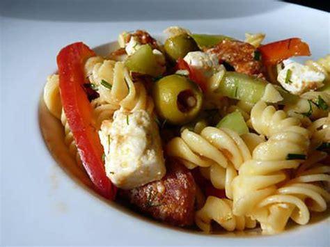 recette de salade de p 226 tes auxtomates s 233 ch 233 es poivrons et chorizo