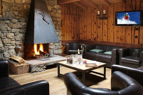 chalet mont blanc la plagne ski chalet for self catered or catered skiing snowboarding and