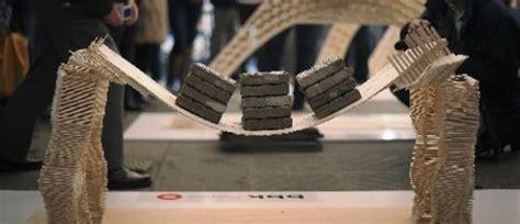 puente construido con palos de helado aguanta 909 kilos noticias taringa