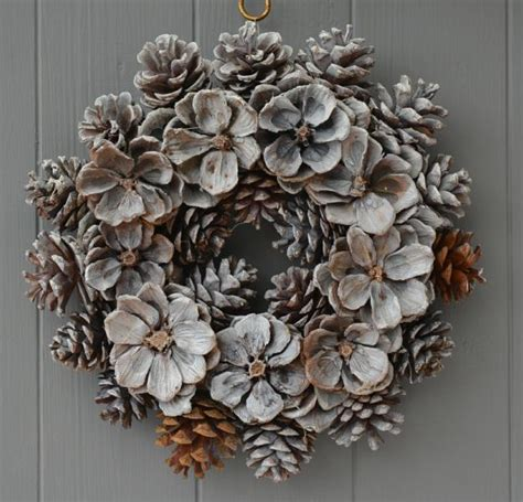 creative pinecone crafts   holiday decorations