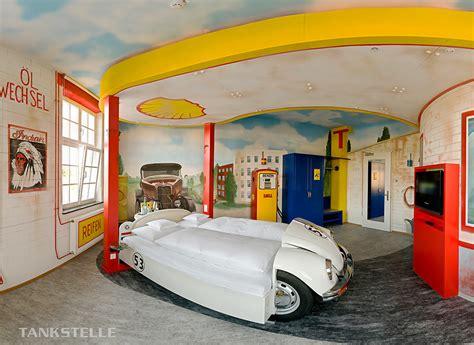 ideas  car themed boys rooms design dazzle