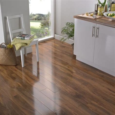 walnut kitchen floor add the bevelloc walnut effect laminate flooring to your 3344