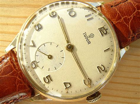 Find A Watches And Win Discount! Antique Cartoon Dealers Crystal Lake Il Gold Fob Chain Necklace Castle Rock Colorado Mall How To Clean Silver Thimble Medicine Bottles Meat Grinder French Provincial Sectional Sofa