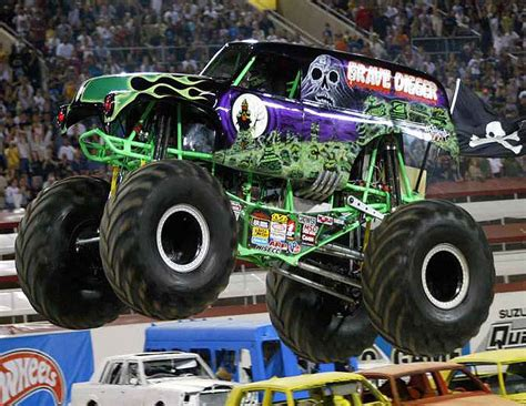 monster trucks grave digger grave digger monster truck photo s utahagenda