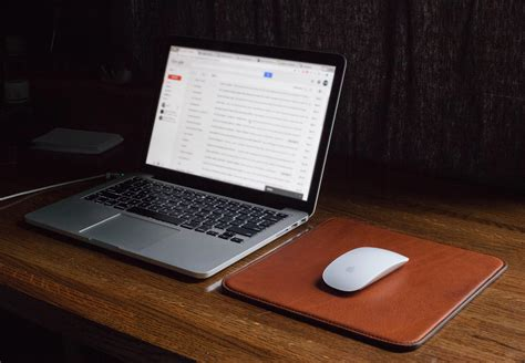 diy sophisticated leather mouse pad