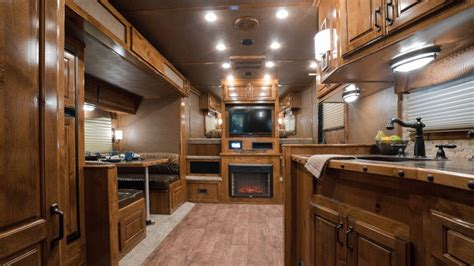 quarters horse trailer living featherlite liberty
