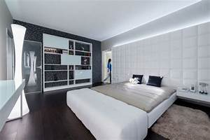 Fernseher über Bett : indirektes licht hinter dem fernseher interessante ideen f r die gestaltung eines ~ Sanjose-hotels-ca.com Haus und Dekorationen