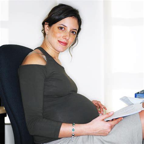 enceinte bureau enceinte comment s 39 habiller classe au bureau maman