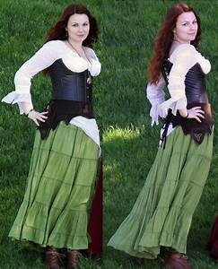 Branna Laurelin - White Blouse, Second Hand, Dracula ...