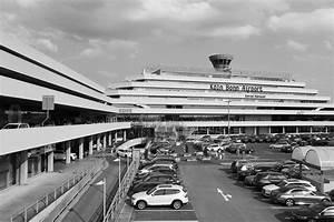 Möbel Airport Köln : mit fanfaren und 007 k ln deutschland the link stadt land architektur ~ Eleganceandgraceweddings.com Haus und Dekorationen