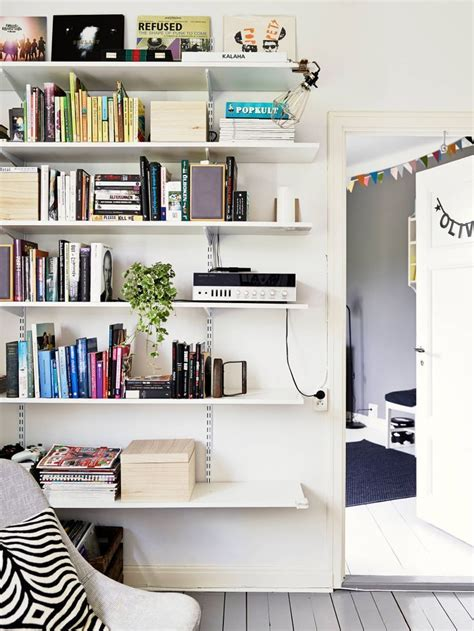 Living Room Bookshelf Wall by Adjustable Bracket Shelves In Living Room School Room