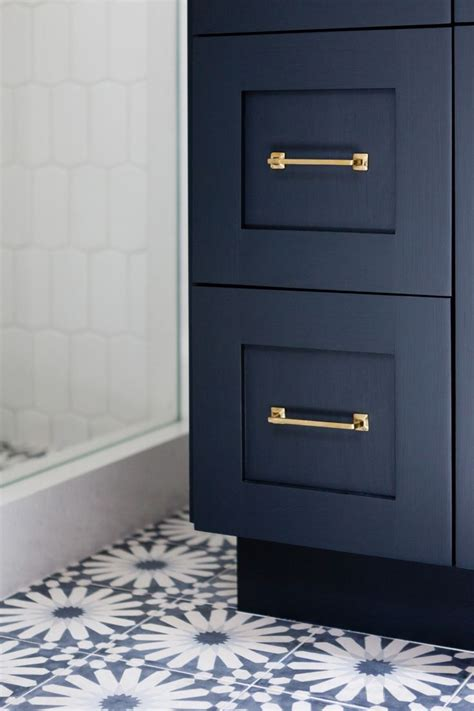 navy blue cabinet paint 26 best images about mudroom on pinterest mudroom