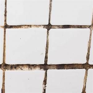 Fugen Im Bad Reinigen : fliesen reinigen die besten hausmittel und tipps life hacks fliesen reinigen badezimmer ~ Buech-reservation.com Haus und Dekorationen