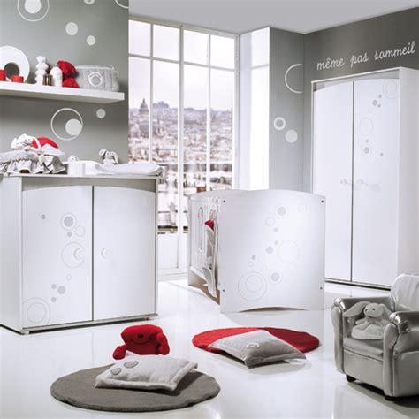 chambre bébé autour de bébé chambre gris et blanc touche de vos avis svp