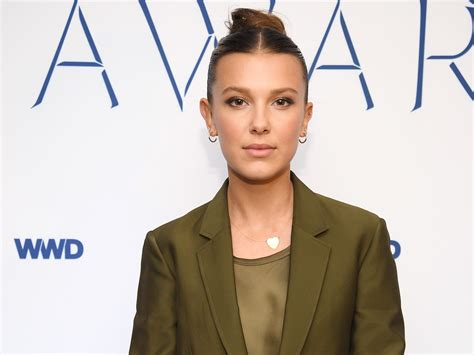 Пудра компактная highlighting powder, opal glow. Millie Bobby Brown almost quit acting after 'Game of ...