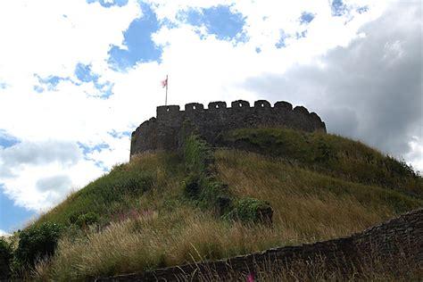 bbc  pictures totnes castle  norman show  strength