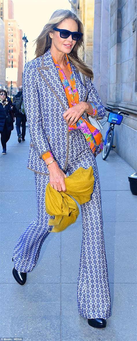 Elle Macpherson Looks Striking Floral Pantsuit Nyc