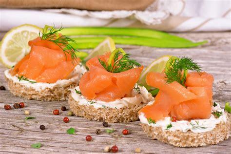 recette cuisine regime toasts saumon fumé crème fraîche et ciboulette sans