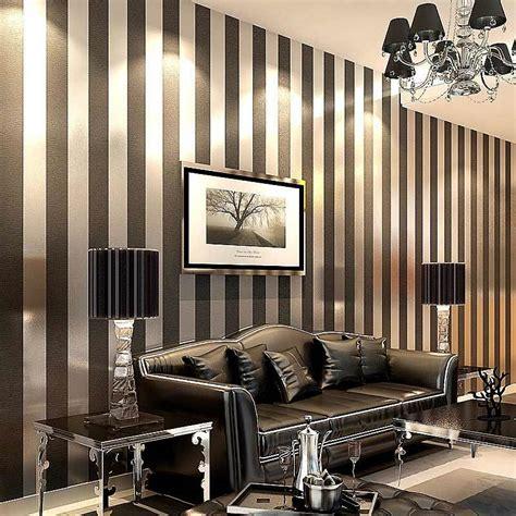 Schwarze Tapete Wohnzimmer by Modern Black Wallpaper Striped Purple And Silver Glitter