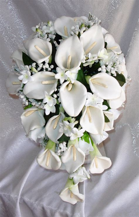 white calla lily wedding bouquets showing simple