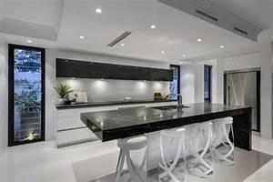 Cuisine Blanche Et Noire : 99 id es de cuisine moderne o le bois est la mode ~ Nature-et-papiers.com Idées de Décoration