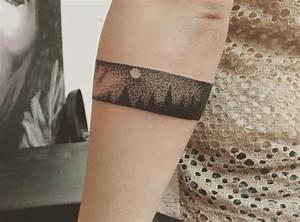 Tattoo Armband Handgelenk : die sch nsten armband tattoos f r frauen ~ Frokenaadalensverden.com Haus und Dekorationen