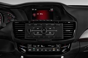 2017 Honda Accord Radio Interior Photo | Automotive.com