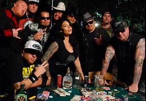 Watch Dive Bar Beauty Queen by Moonshine Bandits